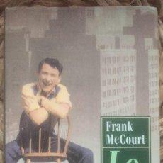 Libros de segunda mano: LO ES - FRANK MCCOURT - CIRCULO DE LECTORES 2000. Lote 222514183