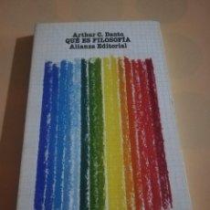 Libros de segunda mano: QUE ES FILOSOFIA. ARTHUR C. DANTO. EDITORIAL ALIANZA. 1976.. Lote 236156085