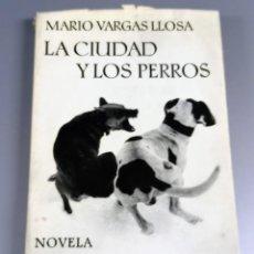 Libros de segunda mano: LA CIUDAD Y LOS PERROS - MARIO VARGAS LLOSA - 1963. Lote 241762480