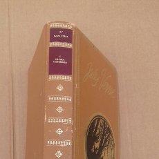 Libros de segunda mano: 1 LA ISLA DEL TESORO XV (JULIO VERNE )EDICIÓN NAUTA. Lote 243216205