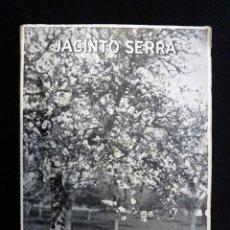 Libros de segunda mano: MALLORCA EN GRIS. JACINTO SERRA. PALMA DE MALLORCA, 1962. DEDICATORIA AUTOR. Lote 243666770