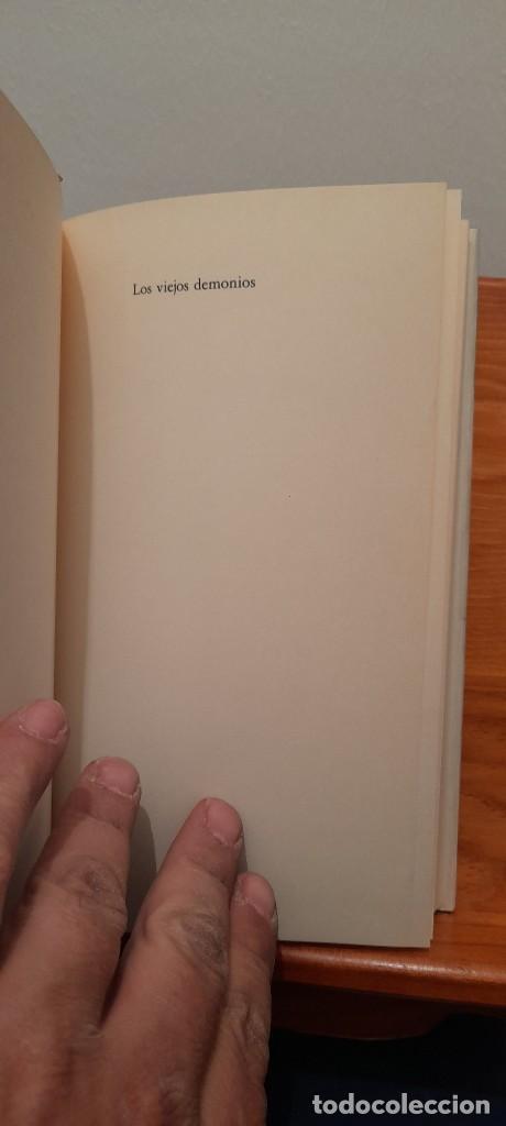 Libros de segunda mano: Los viejos demonios - Foto 6 - 254451770