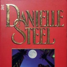 Libros de segunda mano: UNA ENTREGA ESPECIAL / DANIELLE STEEL. 1ª ED. BARCELONA : PLAZA & JANÉS, 1999. (JET ; 245 / 14).. Lote 268990644