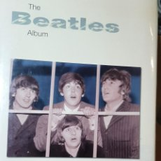 Libros de segunda mano: LIBRO THE BEATLES ALBUM.....LIBRO DE JULIA DELANO.....2003.. Lote 268991459