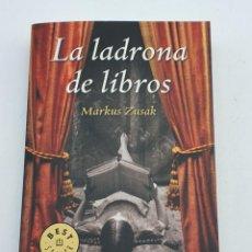 Libros de segunda mano: LA LADRONA DE LIBROS ( MARKUS ZUSAK ) BUEN ESTADO. Lote 269223393