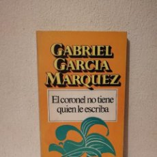 Libros de segunda mano: LIBRO - EL CORONEL NO TIENE QUIEN LE ESCRIBA - VARIOS - GABRIEL GARCIA MARQUEZ-EDICIONES BRUGUERA -. Lote 277543963