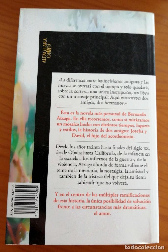 Libros de segunda mano: El hijo del acordeonista Bernardo Atxaga - Foto 2 - 278640673