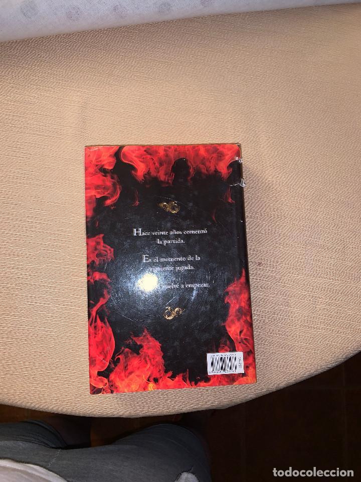 Libros de segunda mano: El fuego (continuación de El Ocho) de Katherine Neville. Tapa dura - Foto 2 - 278641598