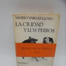 Libros de segunda mano: LA CIUDAD Y LOS PERROS. MARIO VARGAS LLOSA. EDITORIAL SEIX BARRAL. 1963. . VER FOTOS.. Lote 290372253