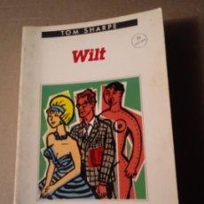 Libros de segunda mano: WILT DE TOM SHARPE. Lote 297031558