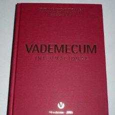 Livres d'occasion: VADEMECUM INTERNACIONAL 2005 MEDICOM (46ª EDICIÓN). Lote 46727246