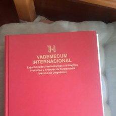 Libros de segunda mano: VADEMÉCUM INTERNACIONAL . Lote 70542814