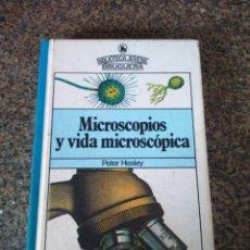 Libros de segunda mano: MICROSCOPIOS Y VIDA MICROSCOPIA - BIBLIOTECA JUVENIL BRUGUERA -- 1980 --. Lote 115710023