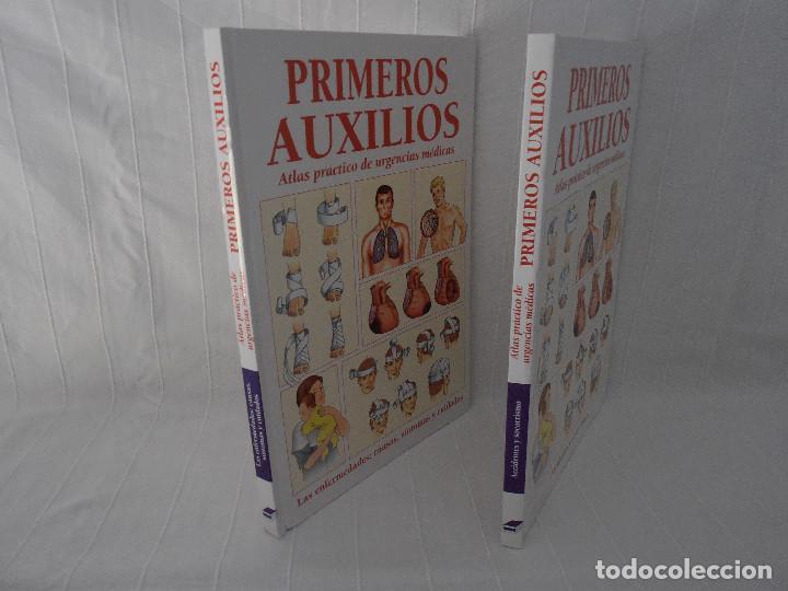 Libros de segunda mano: ATLAS URGENCIAS PRIMEROS AUXILIOS - 2 libros - Foto 2 - 164731470
