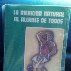 Libros de segunda mano: LA MEDICINA NATURAL AL ALCANCE DE TODOS. MANUEL LEZAETA. Lote 172579344