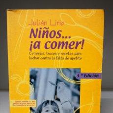 Libros de segunda mano: LIBRO: NIÑOS A COMER. Lote 295382058