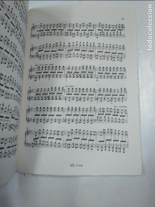 Libros de segunda mano: CZERNY. EL ARTE DE DAR SOLTURA A LOS DEDOS. 50 ESTUDIOS BRILLANTES. EDUCACION PIANISTICA. TDK83 - Foto 2 - 127670367