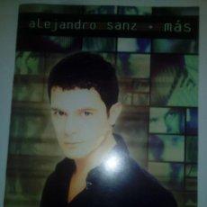 Libros de segunda mano: PARTITURAS DEL DISCO -MÁS- DE ALEJANDRO SANZ. Lote 184207066