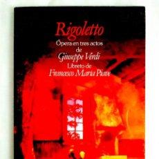 Libros de segunda mano: VERDI: RIGOLETTO - LIBRETO BILINGÜE. Lote 240081900