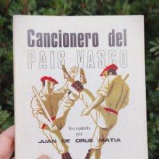 Libros de segunda mano: CANCIONERO DEL PAIS VASCO - RECOPILADO POR JUAN DE ORUE MATIA - FOLKLORE MUSICAL ESPAÑOL. Lote 241205130
