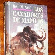 Libros de segunda mano: LOS CAZADORES DE MAMUTS POR JEAN M. AUEL DE CÍRCULO DE LECTORES EN BARCELONA 1995. Lote 39530606