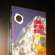 Libros de segunda mano: LOBOS DE LUNA NEGRA / PEYROUX, CELSO. Lote 39657984