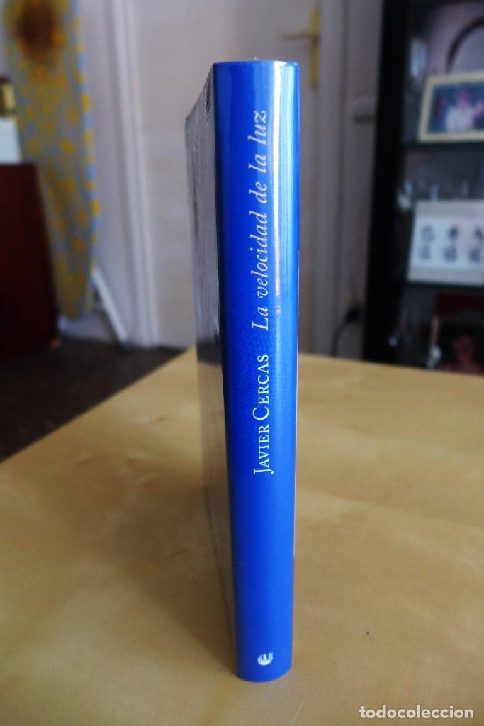 Libros de segunda mano: LA VELOCIDAD DE LA LUZ, JAVIER CERCAS, TAPA DURA, A ESTRENAR ESTA PRECINTADO, CIRCULO DE LECTORES - Foto 3 - 83398988