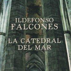 Libros de segunda mano: LA CATEDRAL DEL MAR. Lote 95909067