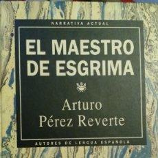 Libros de segunda mano: ARTURO PÉREZ REVERTE. NOVELA FIRMADA.. Lote 102204935