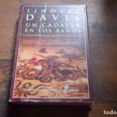 Libros de segunda mano: UN CADAVER EN LOS BAÑOS, XIII NOVELA DE MARCO DIDIO FALCO, LINDSEY DAVIS, EDHASA, 2001. Lote 104124363