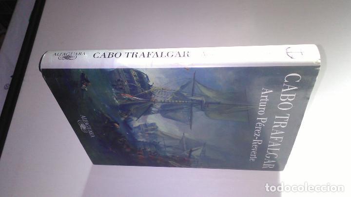 Libros de segunda mano: CABO DE TRAFALGAR * ARTURO PEREZ REVERTE * ALFAGUARA 2004 - Foto 2 - 118383379
