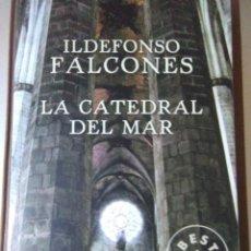 Libros de segunda mano: LA CATEDRAL DEL MAR . ILDEFONSO FALCONES ( DEBOLSILLO ). Lote 130775160