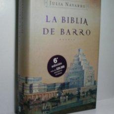 Libros de segunda mano - LA BIBLIA DE BARRO. NAVARRO Julia. 2005 - 140134242