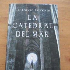 Libros de segunda mano: LA CATEDRAL DEL MAR ILDEFONSO FALCONES CÍRCULO DE LECTORES 2006. Lote 143340910