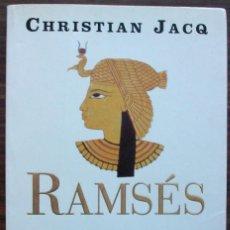 Libros de segunda mano: RAMSES. LA DAMA DE ABU SIMBEL. CHRISTIAN JACQ.. Lote 146120166