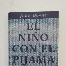 Libros de segunda mano: EL NIÑO CON EL PIJAMA DE RAYAS. JOHN BOYNE. CIRCULO DE LECTORES. TDK397. Lote 171914315