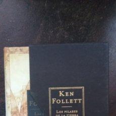 Libros de segunda mano: KEN FOLLETT: LOS PILARES DE LA TIERRA. Lote 179148700