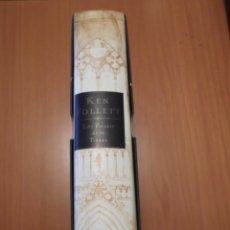 Libros de segunda mano: LIBRO LOS PILARES DE LA TIERRA,KEN FOLLET. Lote 194236057