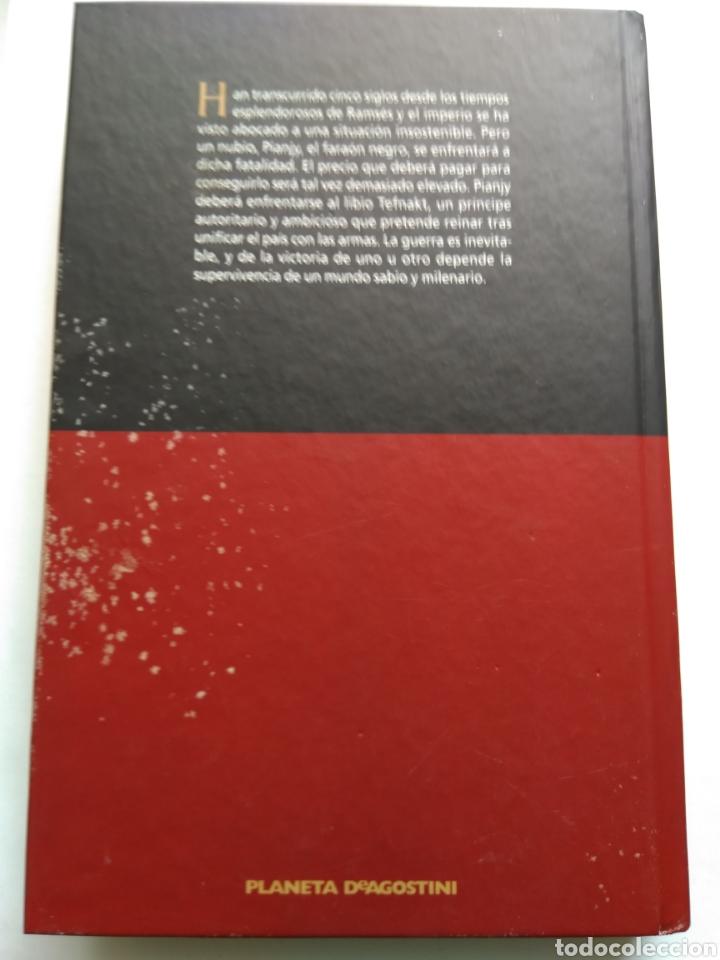 Libros de segunda mano: EL FARAÓN NEGRO/CHRISTIAN JACQ - Foto 2 - 194254726
