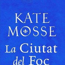 Libros de segunda mano: LA CIUTAT DEL FOC (CATALÁN). Lote 195463426