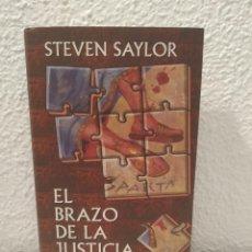 Libros de segunda mano: EL BRAZO DE LA JUSTICIA STEVEN SAYLOR. Lote 200529305