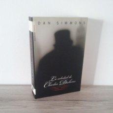 Libros de segunda mano: DAN SIMMONS - LA SOLEDAD DE CHARLES DICKENS - ROCA EDITORIAL 2009. Lote 213184033