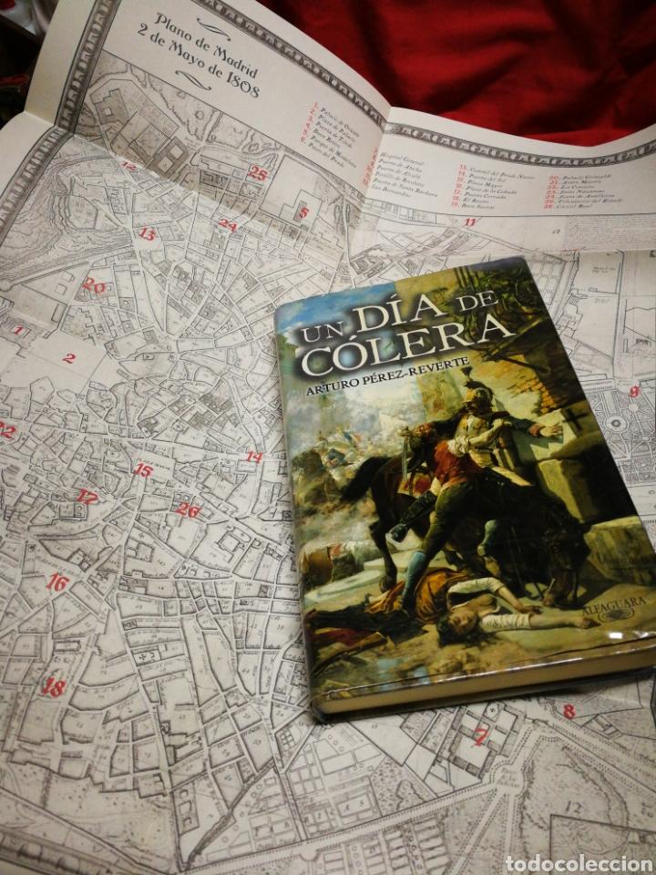 Libros de segunda mano: UN DÍA DE CÓLERA- ARTURO PÉREZ REVERTE, EDITORIAL ALFAGUARA+ PLANO MADRID 1808.COMPLETO! - Foto 3 - 217272021