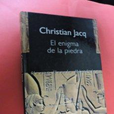 Livros em segunda mão: EL ENIGMA DE LA PIEDRA. JACQ, CHRISTIAN. ED. PLURAL. Lote 229959570