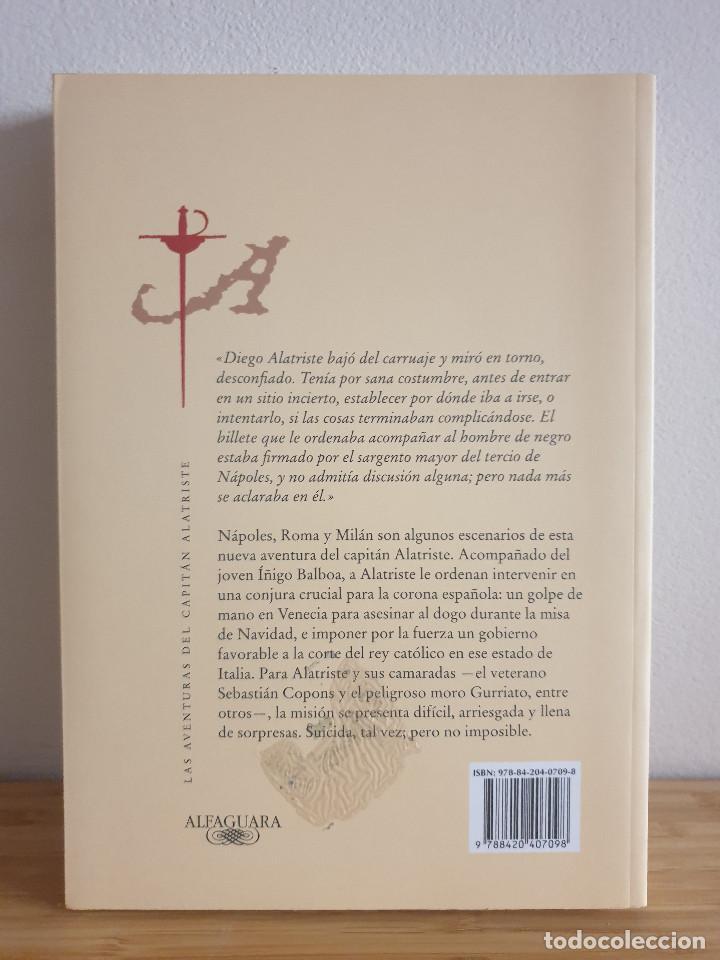 Libros de segunda mano: Las Aventuras Del Capitán Alatriste / El Puente de los Asesinos - Arturo Pérez-Reverte - Foto 2 - 232753868