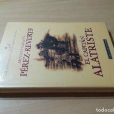 Livros em segunda mão: EL CAPITAN ALATRISTE / ARTURO Y CARLOTA PEREZ REVERTE / CIRCULO DE LECTORES ESQ137 NUEVO PRECINTADO. Lote 244410370