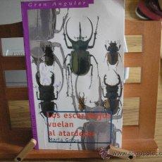 Libros de segunda mano: LOS ESCARABAJOS VUELAN AL ATARDECER (MARÍA GRIPE). Lote 26761262