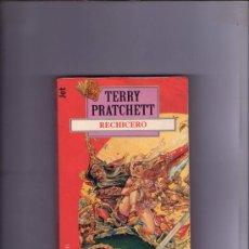 Libros de segunda mano: RECHICERO - TERRY PRATCHETT. Lote 34666941