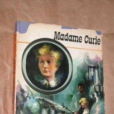 Libros de segunda mano: MADAME CURIE. GLORIA SARRO. ILUSTRA VICENTE ROSO, PORTADA BALLESTAR. AURIGA SERIE NARANJA. AFHA 1964. Lote 37919792