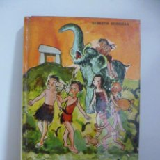 Libros de segunda mano: VIATGE AL PAÍS DELS LACETS -SEBASTIÀ SORRIBAS -1973. Lote 49946229